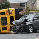 Los Mejores Abogados en Español Expertos en Demandas de Accidentes de Camión en Orange County California
